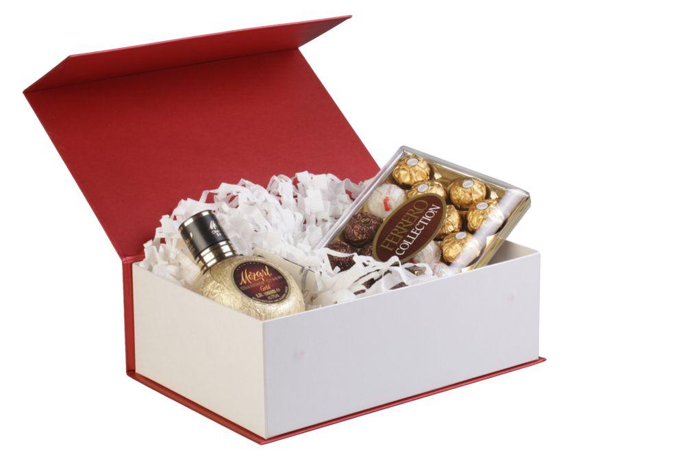 Как красиво уложить подарок в коробку 74